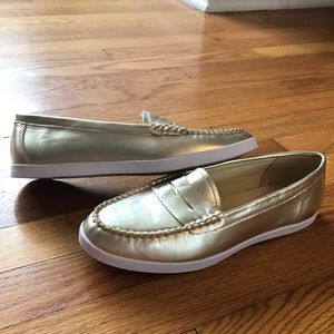 Gold Wanted Loafers